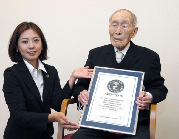 Sakari Momoi era considerado o homem mais velho do mundo (Foto: Kyodo News / AP Photo).