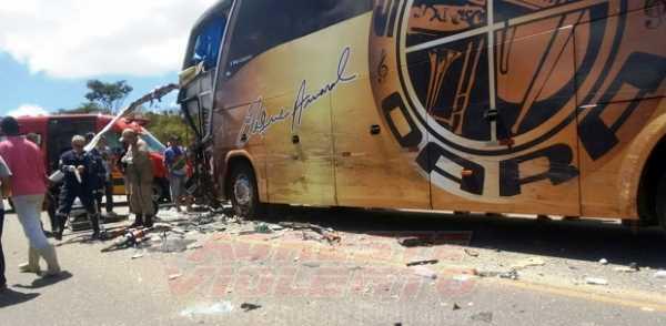 Duas pessoas morrem em acidente que envolveu ônibus da Banda Super Oara