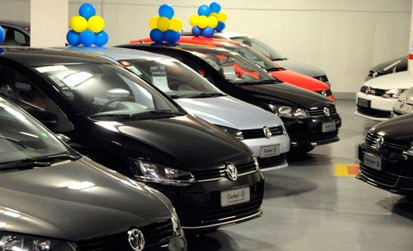 Vendas de veículos acumulam queda de 19,4% em 2015