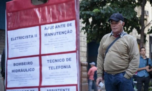 Taxa de desemprego no Brasil ficou em 8,3% no 2º trimestre, a maior da série histórica
