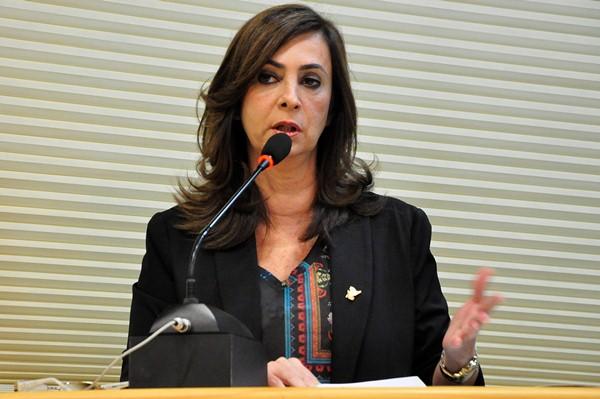 Márcia Maia lembra um ano de morte de Eduardo Campos
