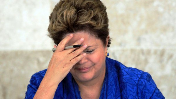PESQUISA DATAFOLHA: Dilma bate recorde de impopularidade