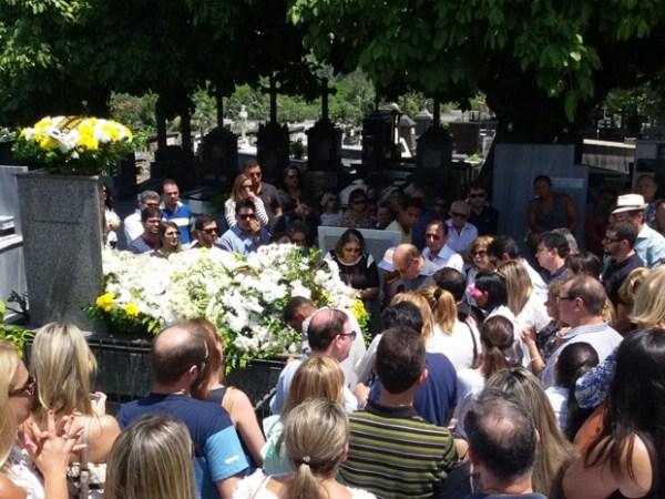 Enterrado, em João Pessoa, o corpo do irmão da cantora Elba Ramalho