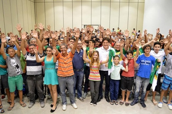 Governador participa de reunião com atletas que representarão o RN nos Jogos Escolares da Juventude