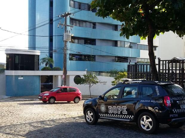 Mandados de busca e apreensão são cumpridos na manhã desta quinta-feira (20) (Foto: Sérgio Henrique Santos/G1).