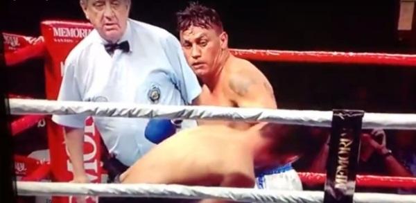 Popó volta aos ringues depois de 3 anos e nocauteia argentino no 3º round