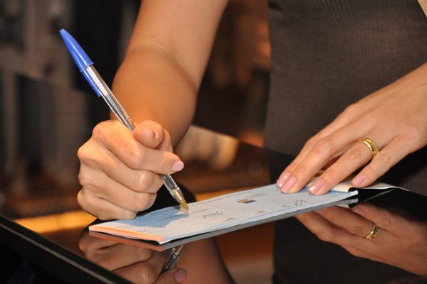 Percentual de cheques devolvidos atinge 2,24% em julho