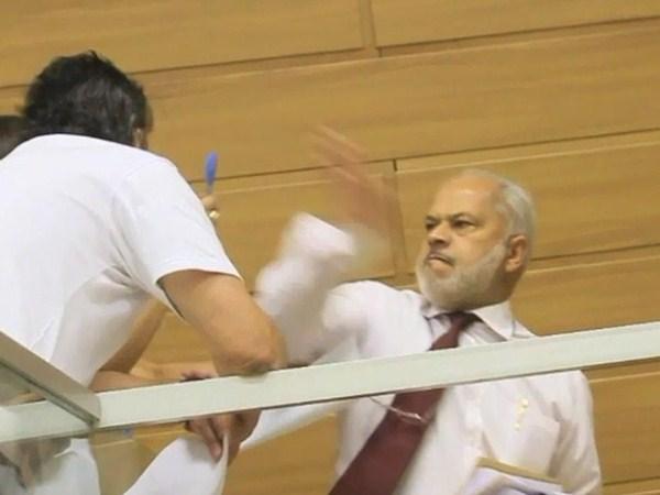 Eleitor pede indenização de R$ 50 mil após levar tapa na cara de vereador