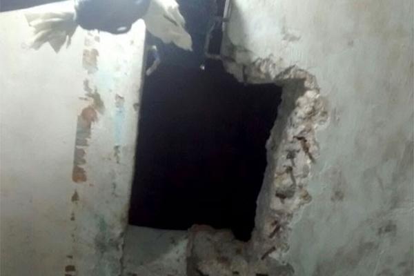 Agentes encontram buraco em teto de cela na Cadeia Pública de Caraúbas