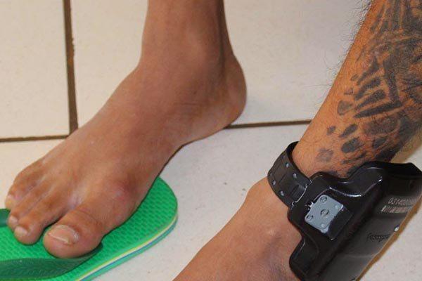 Caberá ao juiz, nas audiências de custódia, que se iniciam em outubro, avaliar quais presos poderão usar a tornozeleira eletrônica