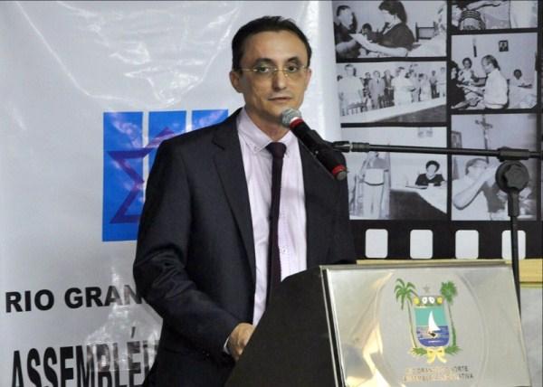 Souza defende política de interiorização durante plenária em Areia Branca