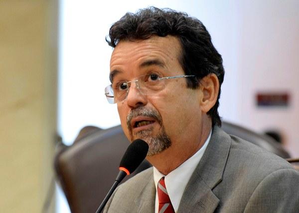 Mineiro diz que reestruturação do Roberto Freire está sendo discutida com a sociedade