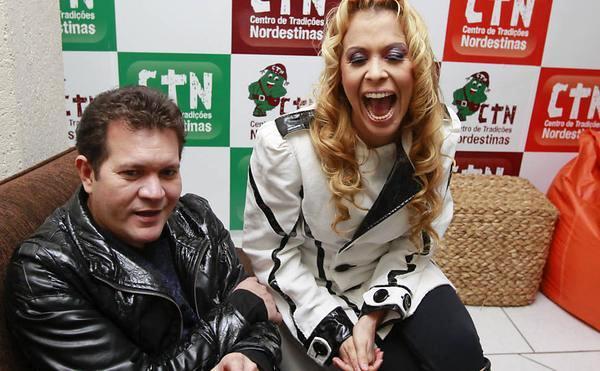Joelma presta queixa contra Chimbinha em delegacia do Pará