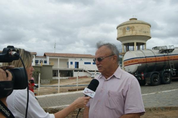 Carretas-pipa começaram nesta quarta, 09, abastecimento das estações da CAERN em Currais Novos