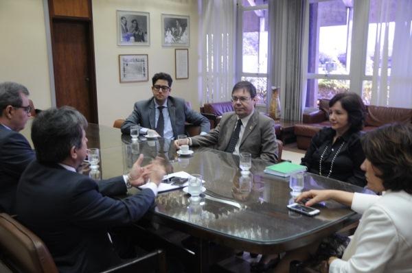 Ministério Público assina contrato com UFRN para concurso de servidores
