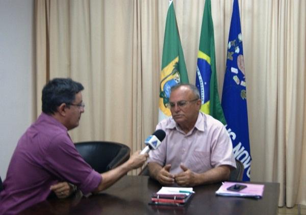 Prefeito Vilton Cunha pedirá urgência na liberação de recursos para adutora em reunião nesta terça, 15, em Brasília