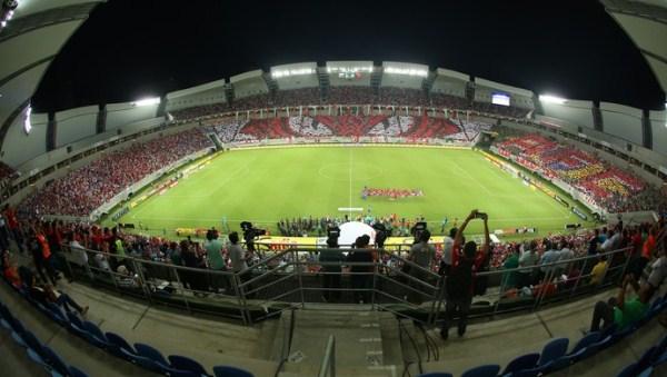 Flamengo goleia Avaí na Arena das Dunas