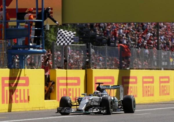 Vitória de Hamilton é investigada em Monza