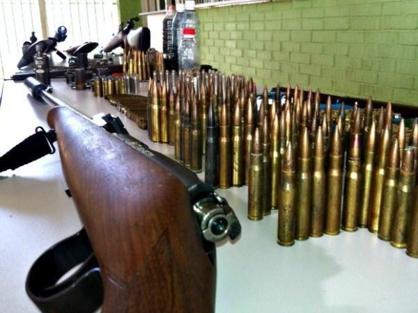 Polícia Militar apreende 65 armas e 354 munições de diversos calibres no mês de agosto