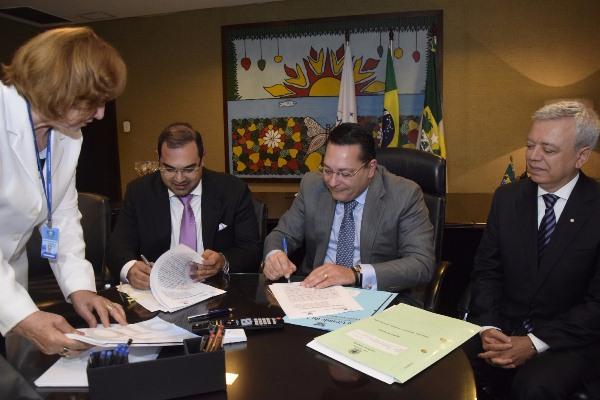 Assembleia e Esmafe assinam convênio para promover curso de pós-graduação