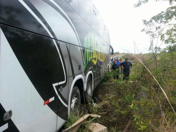 Ônibus da Banda Magníficos sofre um acidente na tarde desta segunda-feira (7) no Maranhão