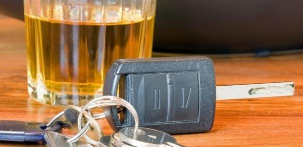 Comissão da Câmara aprova perda de carro para condutor embriagado que matar ao volante