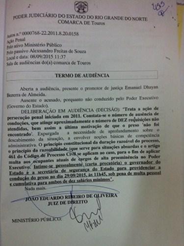 Após preso faltar a audiências, juiz determina multa a governador do RN