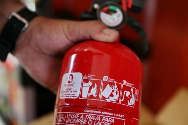 Câmara anistia motoristas multados por falta de extintor de incêndio