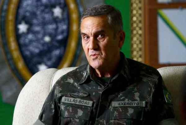 Comandante geral do Exército brasileiro não descarta intervenção militar