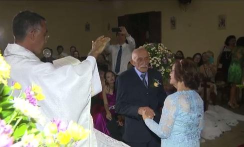 SEM IDADE PARA O AMOR: Noivos com mais de 80 anos de idade se casam na Paraíba
