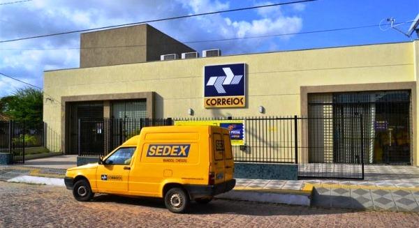 Criminosos roubam fardamentos e veículos dos Correios de Ceará-Mirim