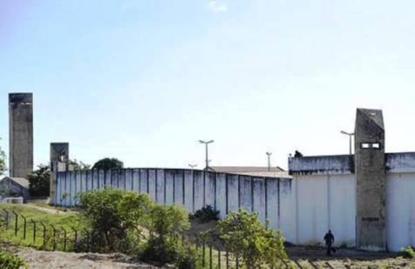 Agentes encontram mais um túnel na penitenciária de Alcaçuz
