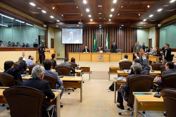 Deputados aprovam projeto de ajuste fiscal do Governo