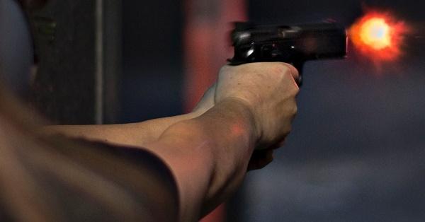 Tiroteio com dezenas de tiros nesta noite de quinta assusta moradores de Parelhas