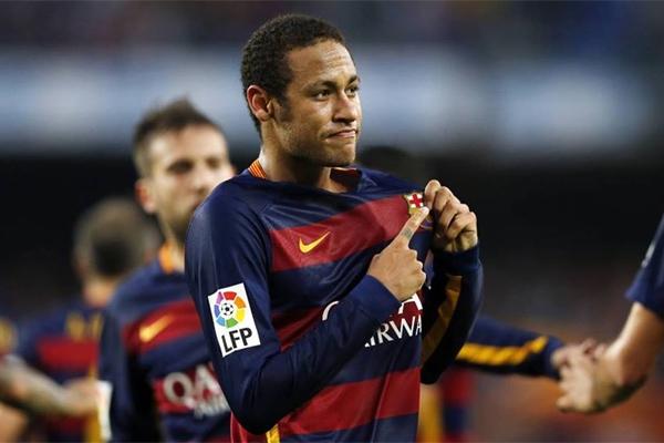 9b759262fe Neymar anotou golaço antológico no Camp Nou neste domingo.