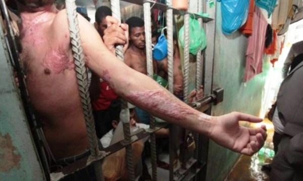 Punições entre os detentos incluem canibalismo, ataque com cães e estupro coletivo Leia mais sobre esse assunto em http://oglobo.globo.com/brasil/presidios-brasileiros-tem-codigos-penais-criados-pelos-proprios-presos-17943041#ixzz3qLcM23JL © 1996 - 2015. Todos direitos reservados a Infoglobo Comunicação e Participações S.A. Este material não pode ser publicado, transmitido por broadcast, reescrito ou redistribuído sem autorização.