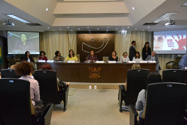Audiência reforça necessidade de proteção às mulheres que denunciam violência