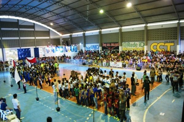 Abertura do 14º JOMEC aconteceu nesta sexta, 20. Mais de 3 mil alunos participam dos jogos