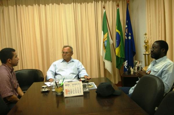 Prefeito Vilton Cunha se reúne com novo delegado da Polícia Civil de Currais Novos