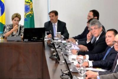 Ezequiel encontra Dilma por ações de combate aos efeitos da seca no RN