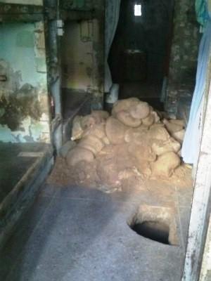 Túnel foi encontrado nesta quarta-feira (25) em cela do pavilhão 2 (Foto: G1)