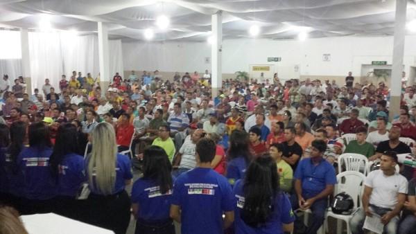Três mil pessoas participam de leilão organizado pelo Detran; interessados ainda podem se cadastrar para arremates desta quarta