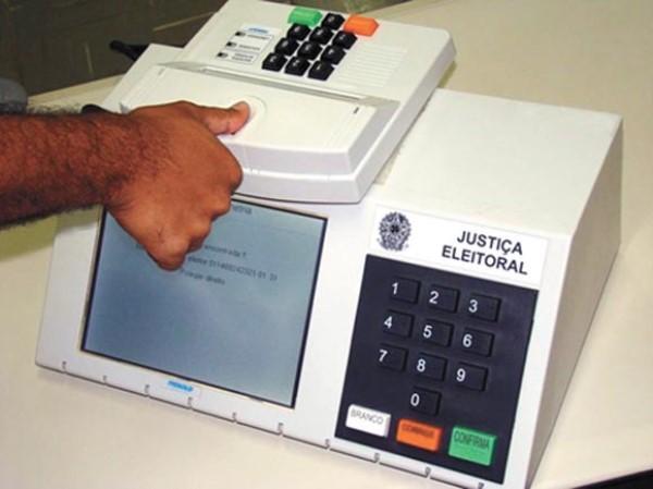 Primeiro voto do eleitor será para deputado federal