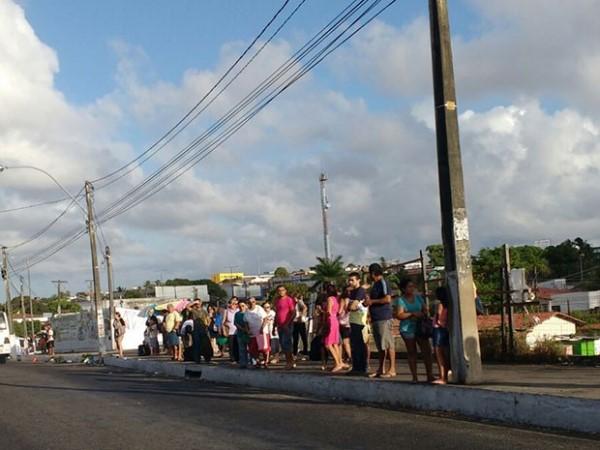 Rodoviários paralisam ônibus em protesto contra insegurança em Natal