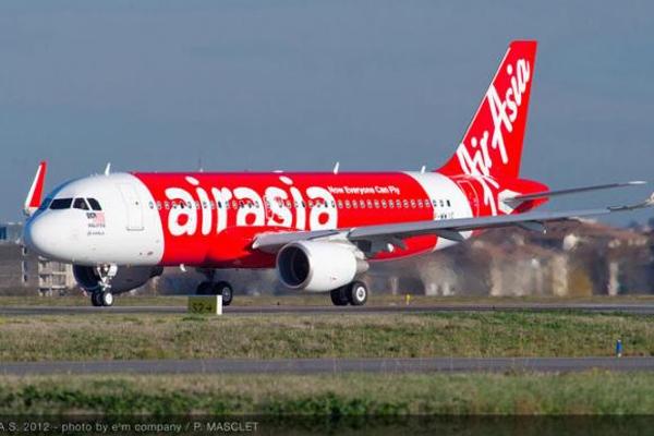 Falha mecânica provocou queda de avião da Airasia, diz relatório