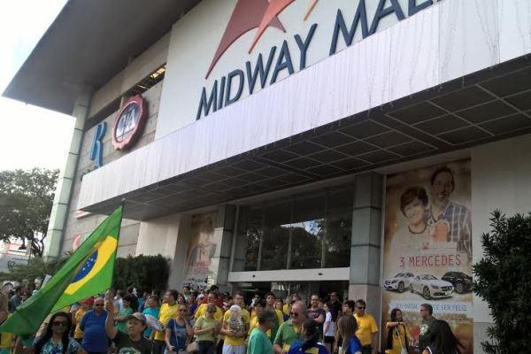 Manifestantes pró-impeachment protestam em Natal