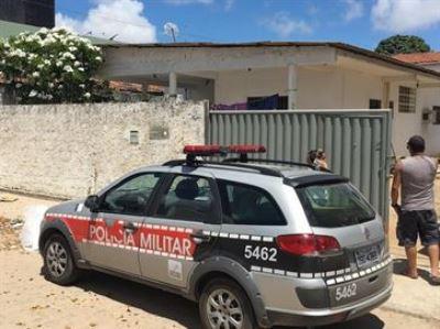Enfermeira é morta com 38 facadas ao dar água para homem em JP; suspeito é procurado