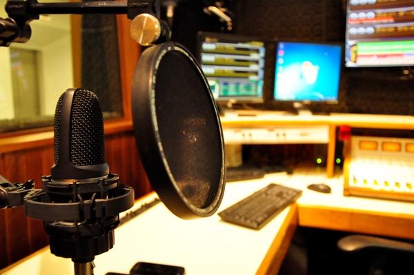 Comissão aprova empréstimo do BNDES para rádios comunitárias