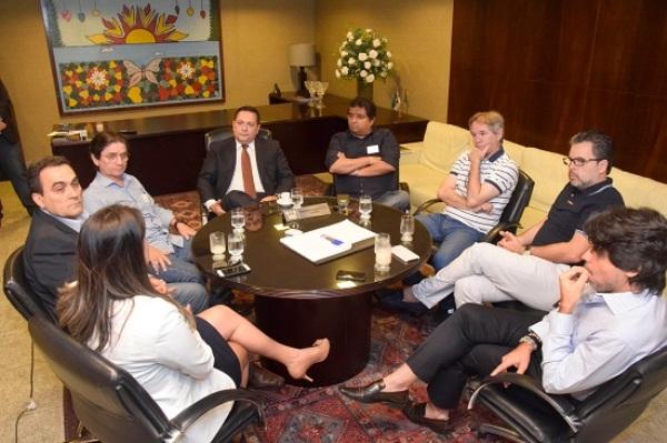 Ezequiel recebe em reunião diretores de veículos de comunicação do RN