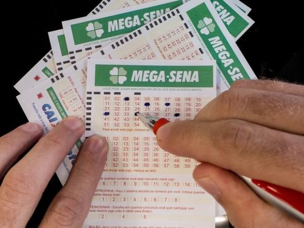 Mega-Sena pode pagar R$ 175 milhões nesta quarta-feira